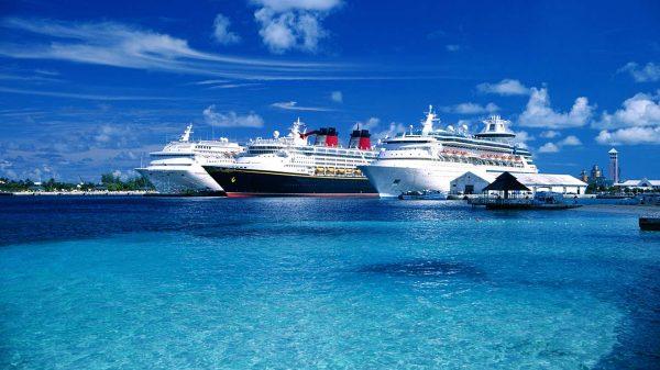 Cruise ship Cretebus travel